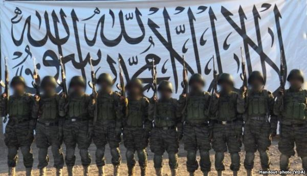Taliban in ANA uniform prior to Mazar attack